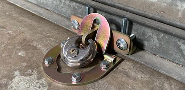 Shutter Lock In Situ